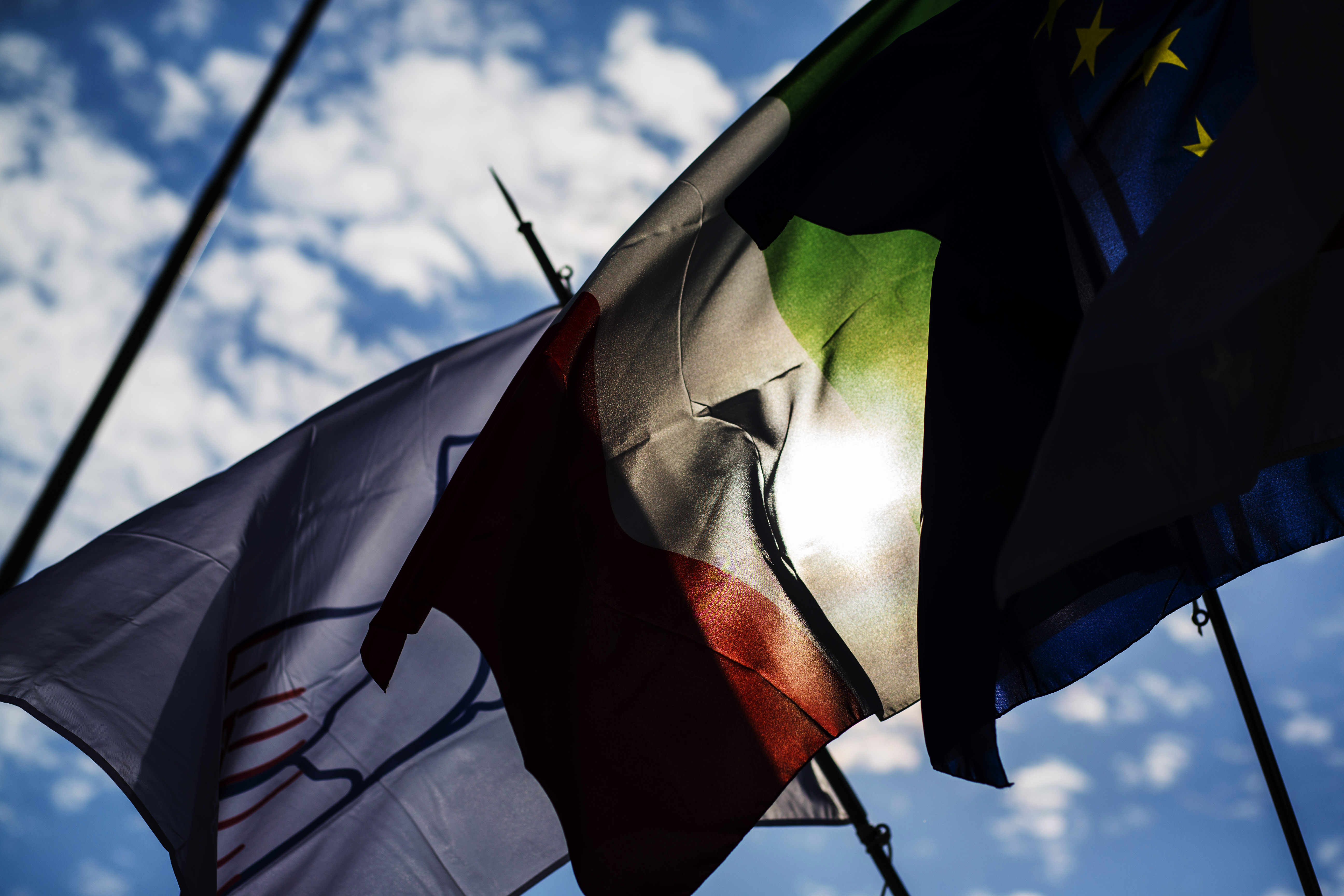 2016 GP3 Series Round 7 Autodromo di Monza, Italy. Thursday 1 September 2016. The flags of Monza, Italy and Europe. Photo: Sam Bloxham/GP3 Series Media Service. ref: Digital Image _SBB6677