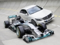 Efficiency equals performance - as the F1 race car (W05 Hybrid) is about 35 percent more efficient as its predecessor, so is the upcoming S 500 PLUG IN HYBRID: it offers 325 kW of power and 650 Nm of torque. It has an electric drive range of 33 kilometres and a certified fuel consumption of 2,8 litres for 100 kilometres