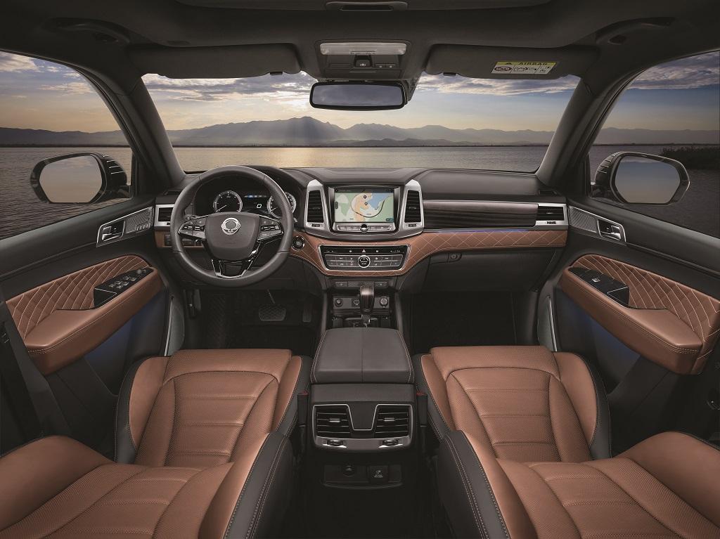 08-brown-seat-l-