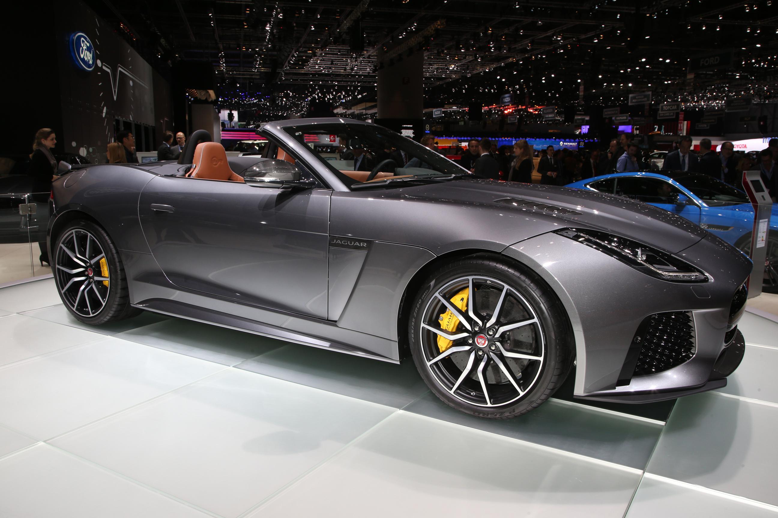 Jaguar F-Type SVR roadster