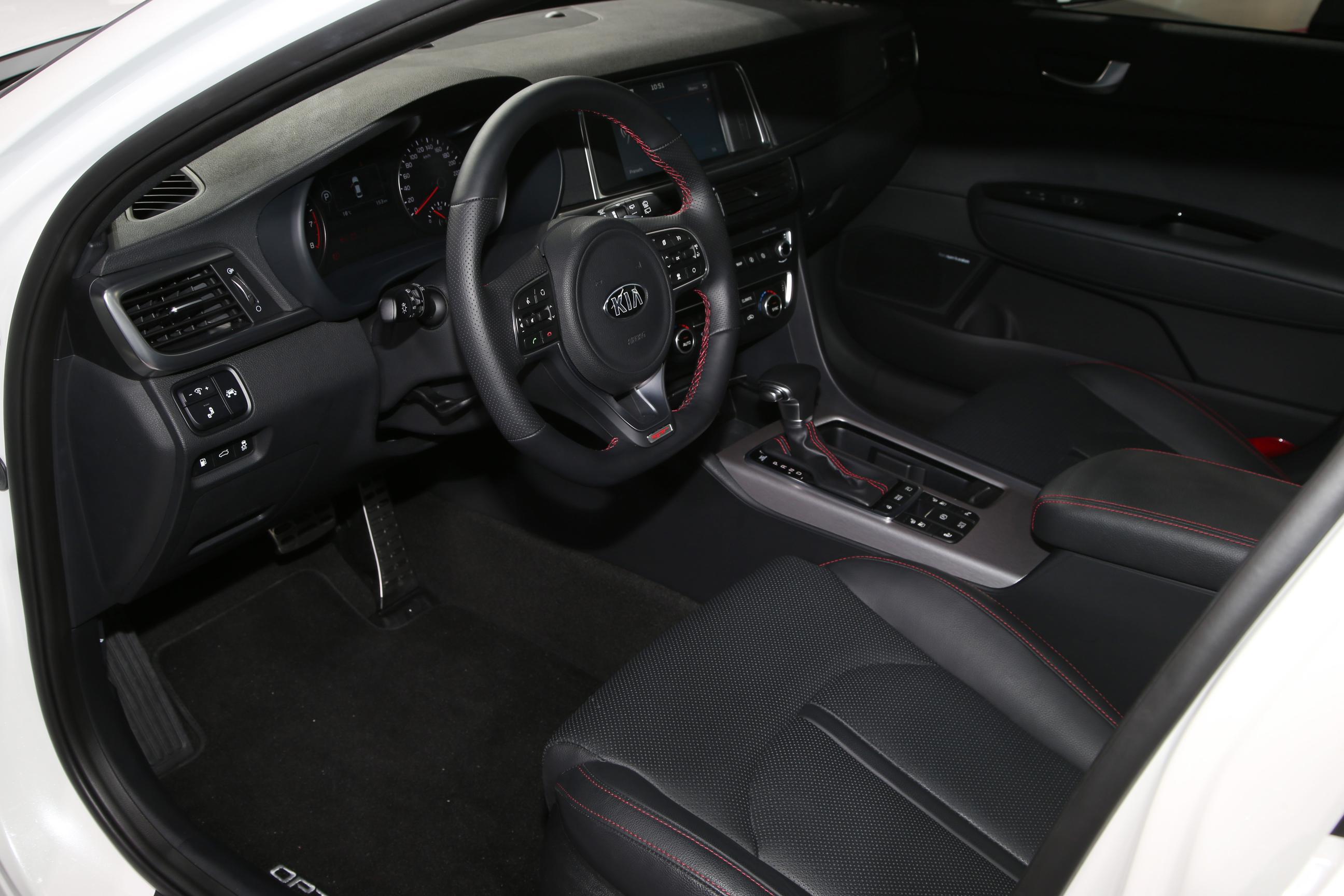 Kia Optima SW GT 1