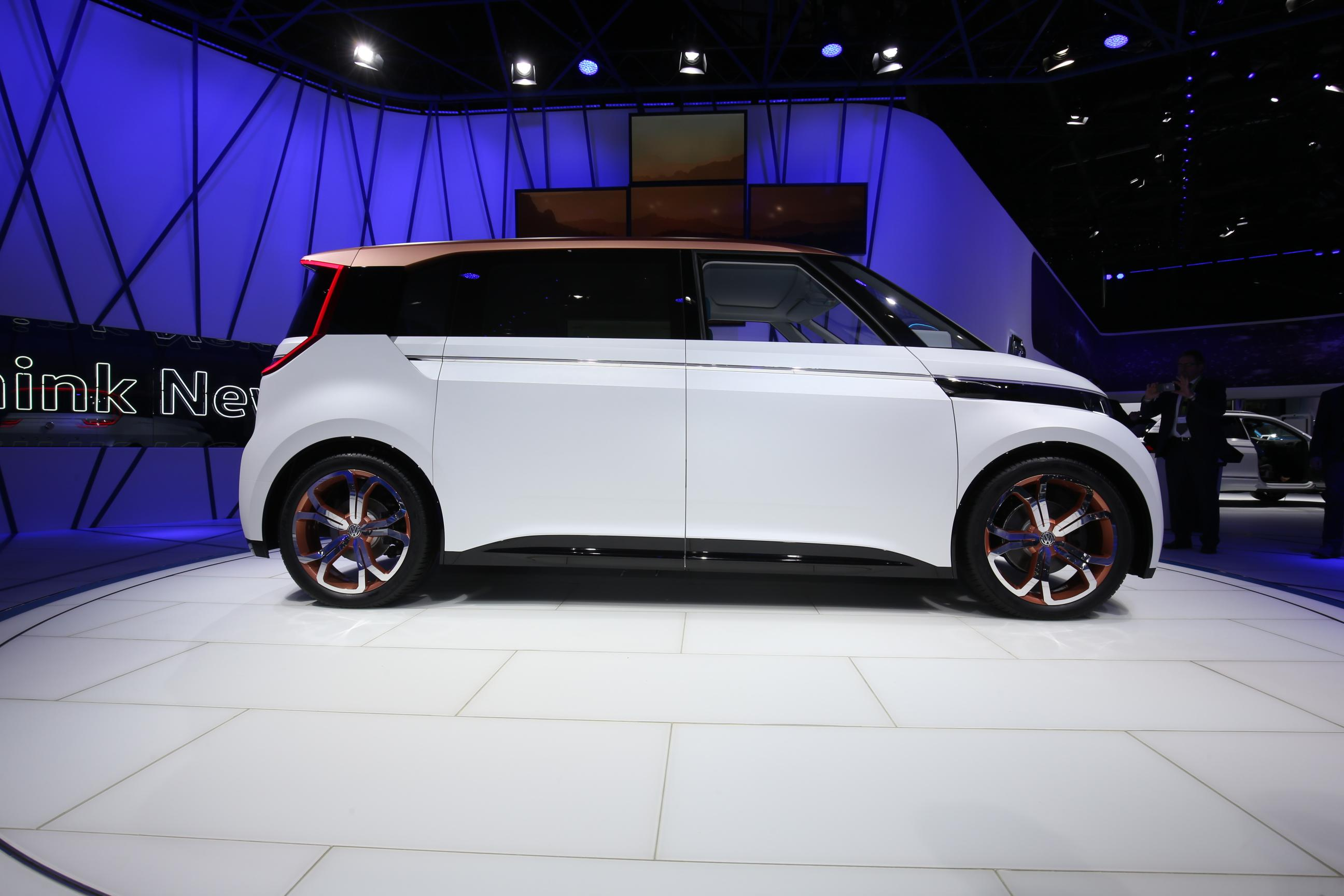 Volkswagen Budd-e Concept 1