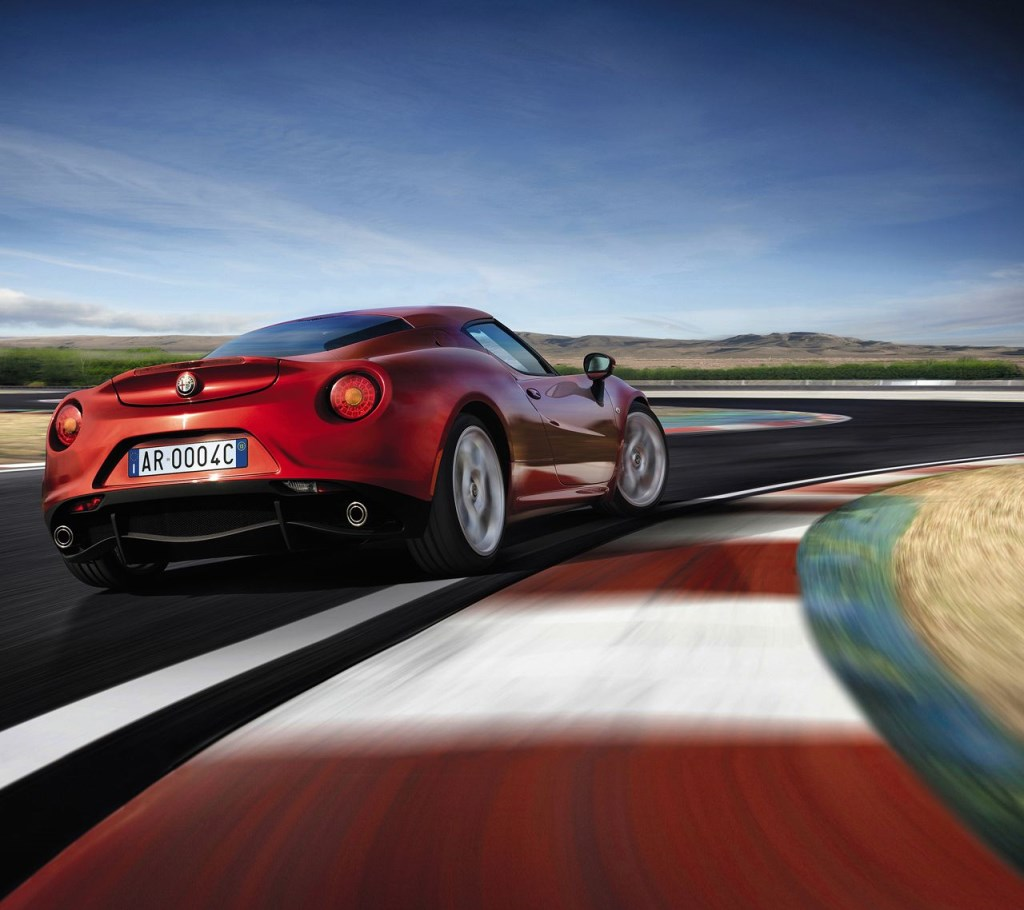 Alfa Romeo 4C: nuovi premi da Spagna e Polonia
