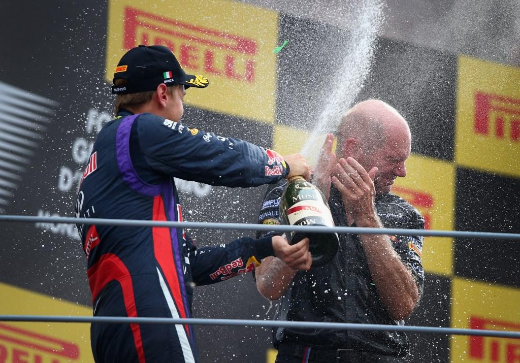 Cosa c'è nel cilindro di Newey e Vettel?