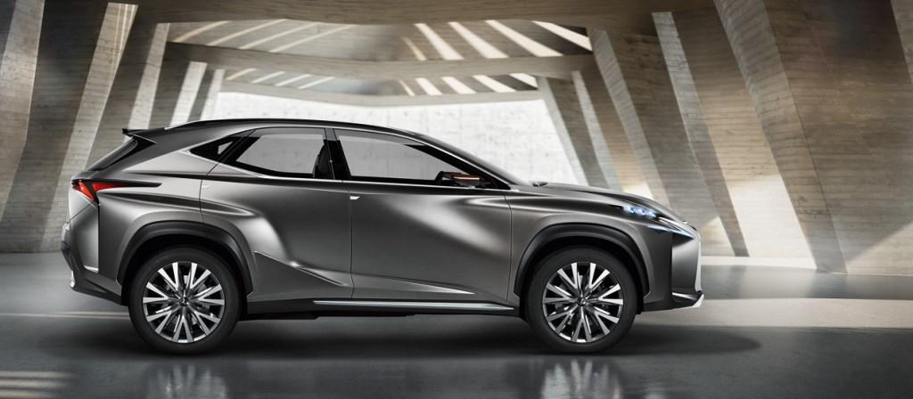 LF-NX: il futuro Lexus
