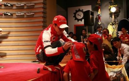 Kobayashi incontra i tifosi al Puma Store
