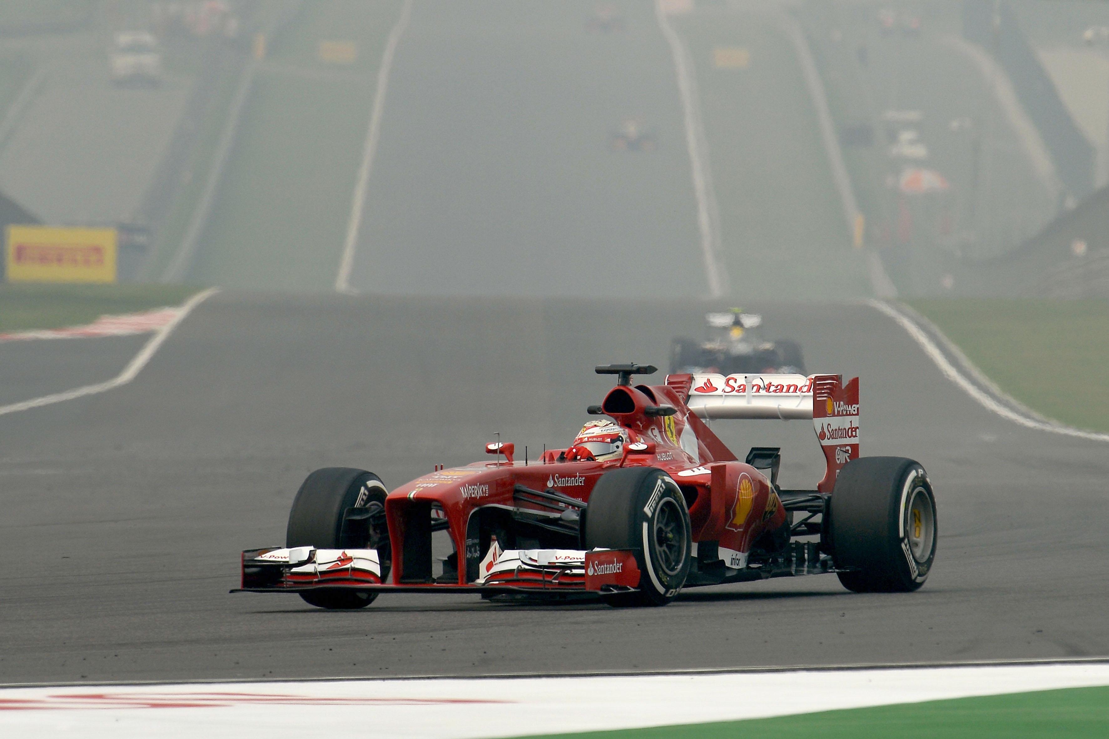Terze libere con nebbia, Vettel 1°, Alonso 3°