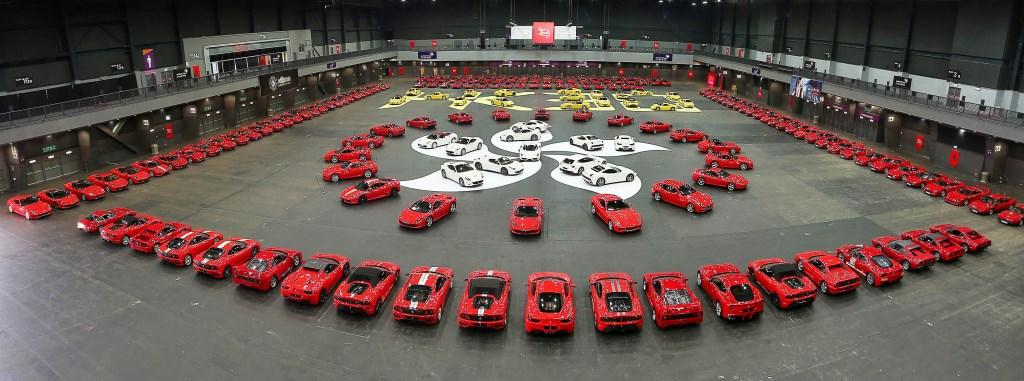 La Ferrari fiorisce a Hong Kong