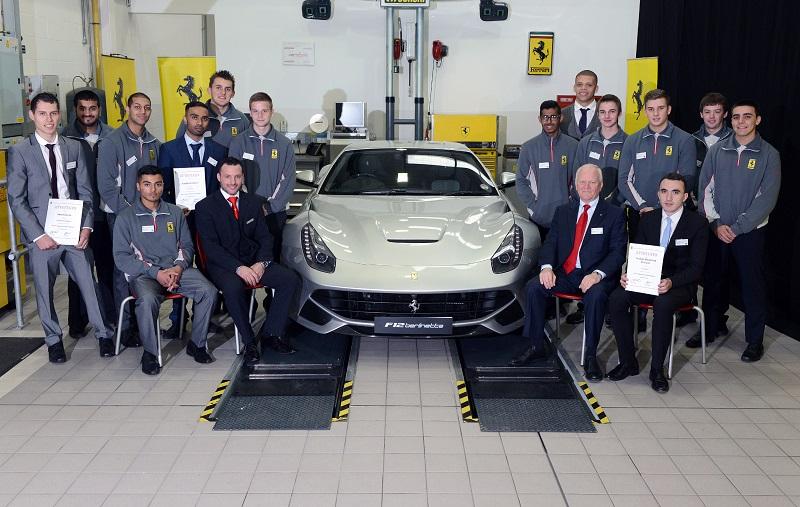Tecnici Ferrari crescono…