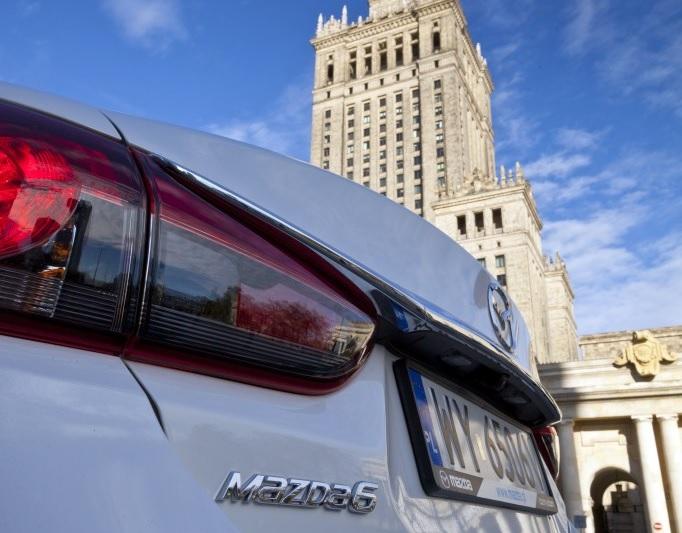 Mazda6 e CX-5 coi Nobel per la Pace a Varsavia