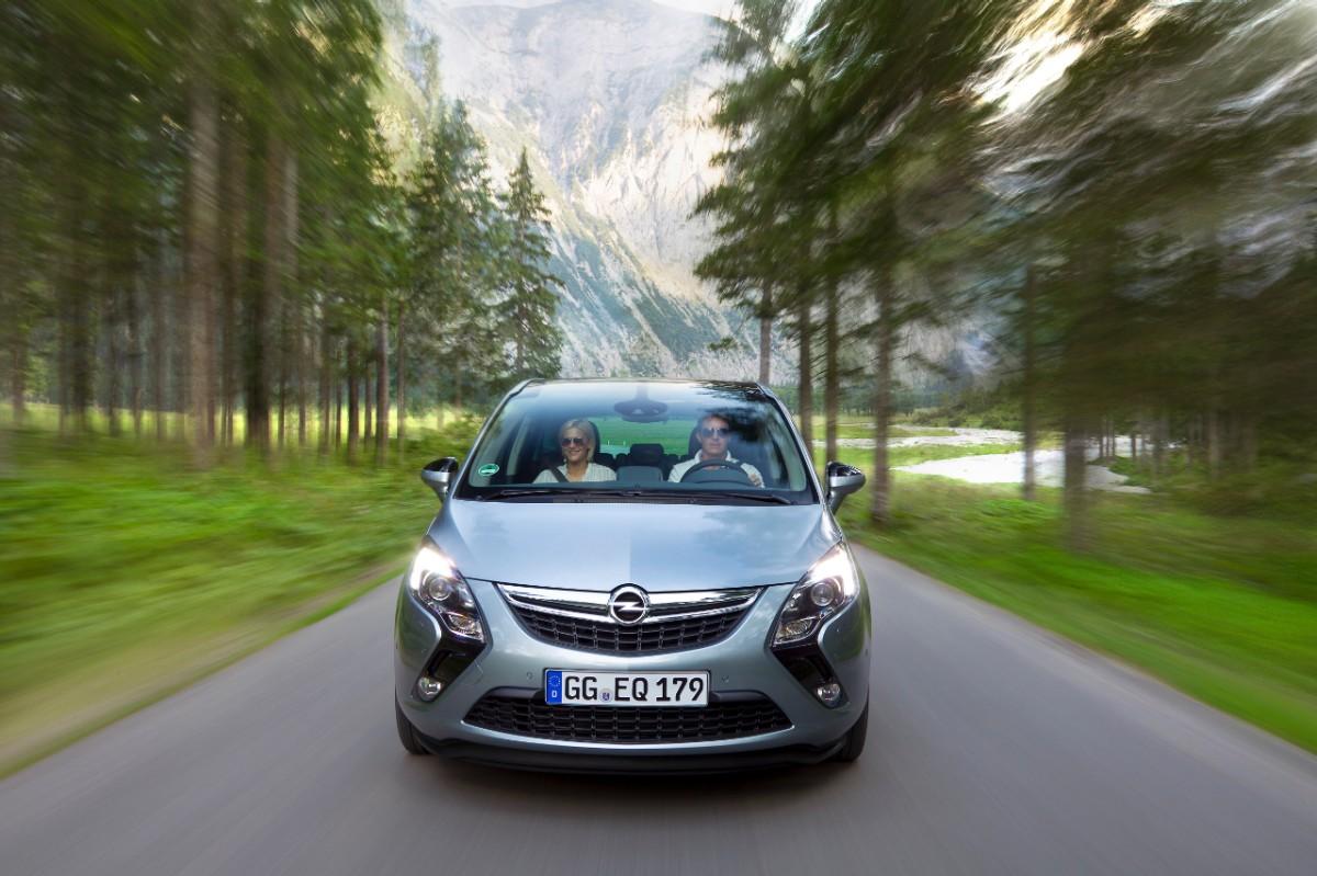 Nuovo Opel 1.6 CDTI su Zafira Tourer