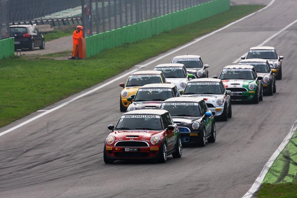 MINI Challenge: Baldan sbanca anche Monza
