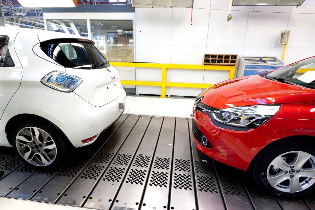 Renault Zoe elettrizza Flins