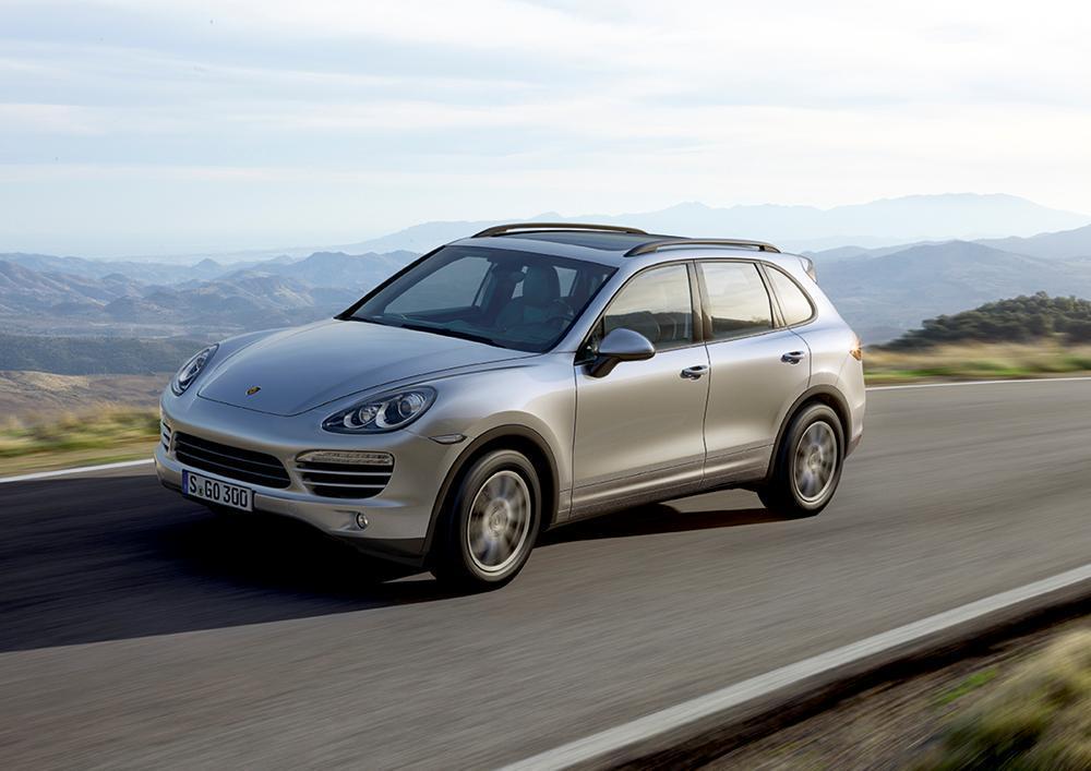 Porsche: consegne ai clienti +15%