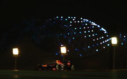 Due soste e Vettel conquista anche lo Yas Marina