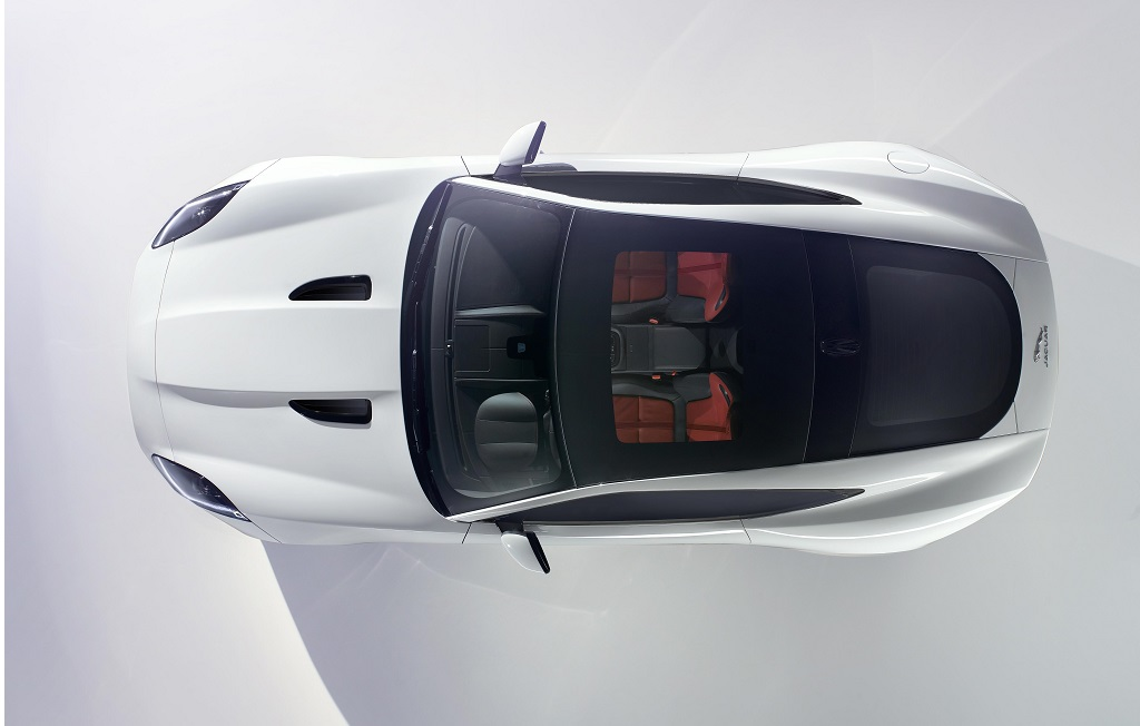 La F-Type Coupé debutta a Los Angeles