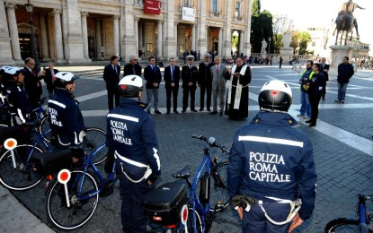 La polizia municipale di Roma in sella alle eBike