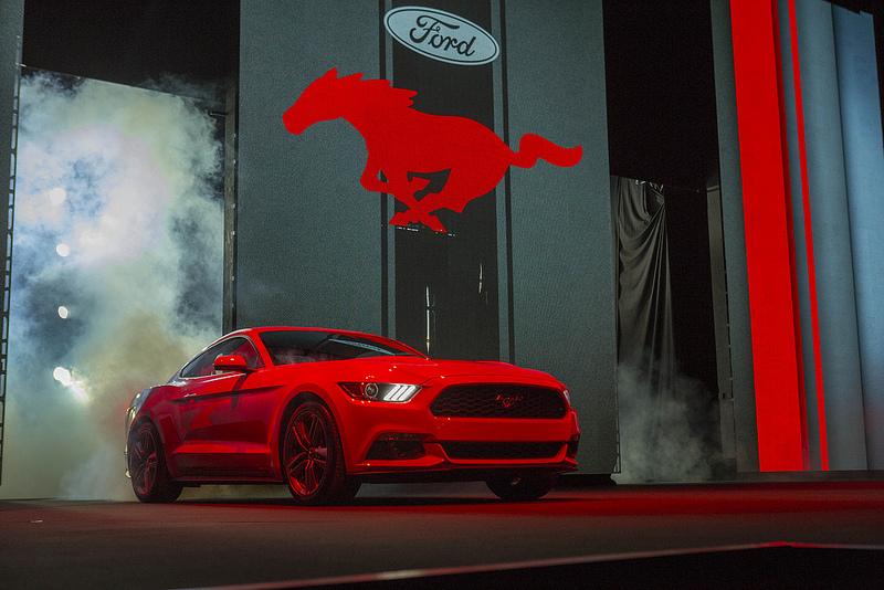 Ford svela la Mustang, la Edge Concept e la Ka Concept
