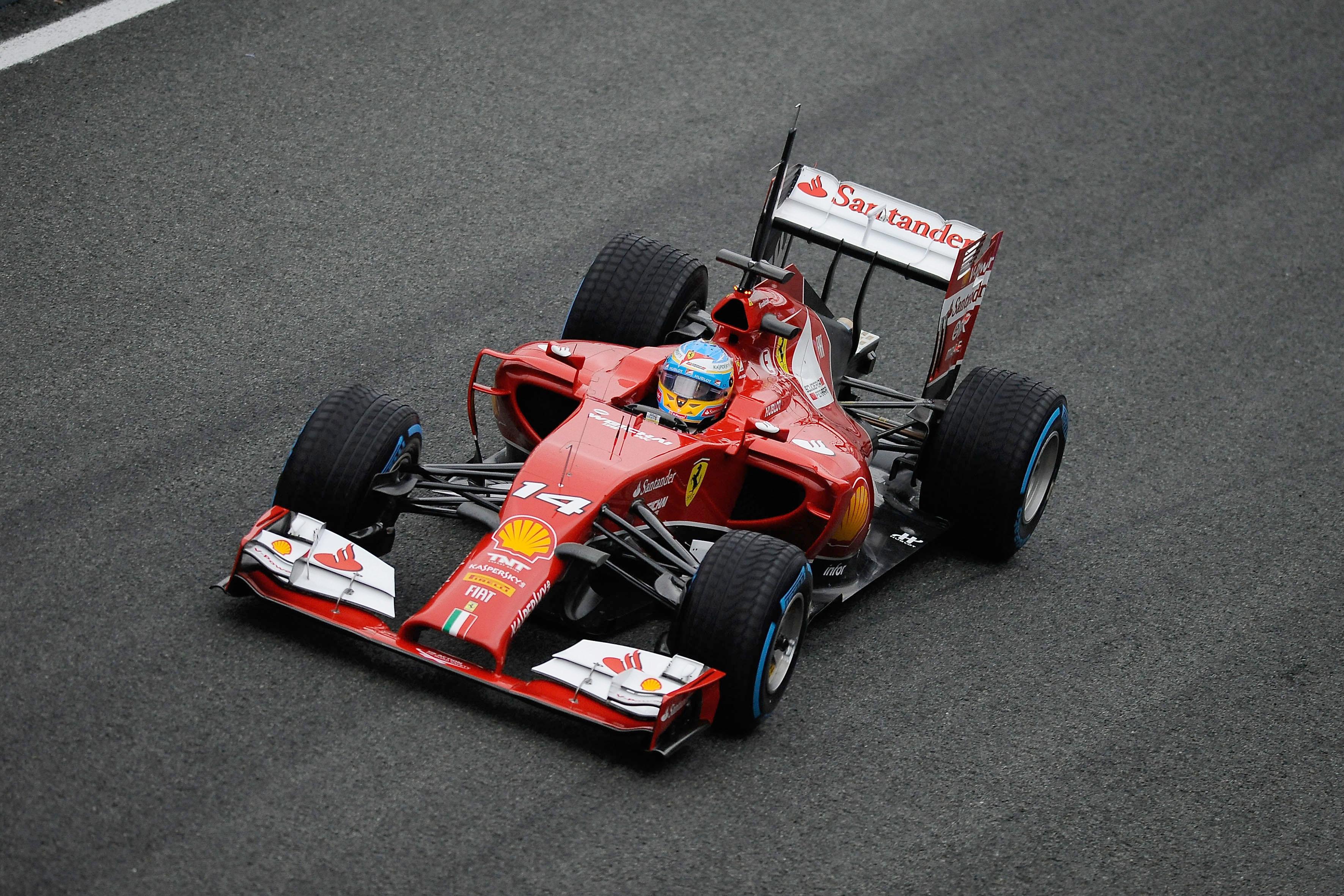 Più di mille km per la F14 T a Jerez