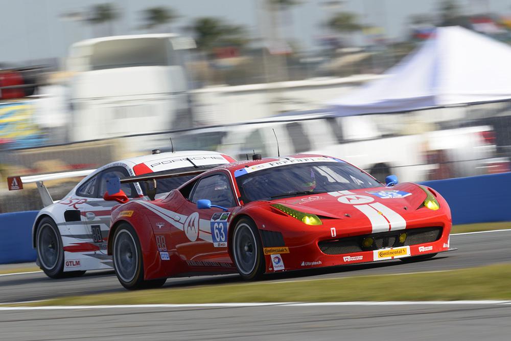 Daytona: prima fila Ferrari nella GTD