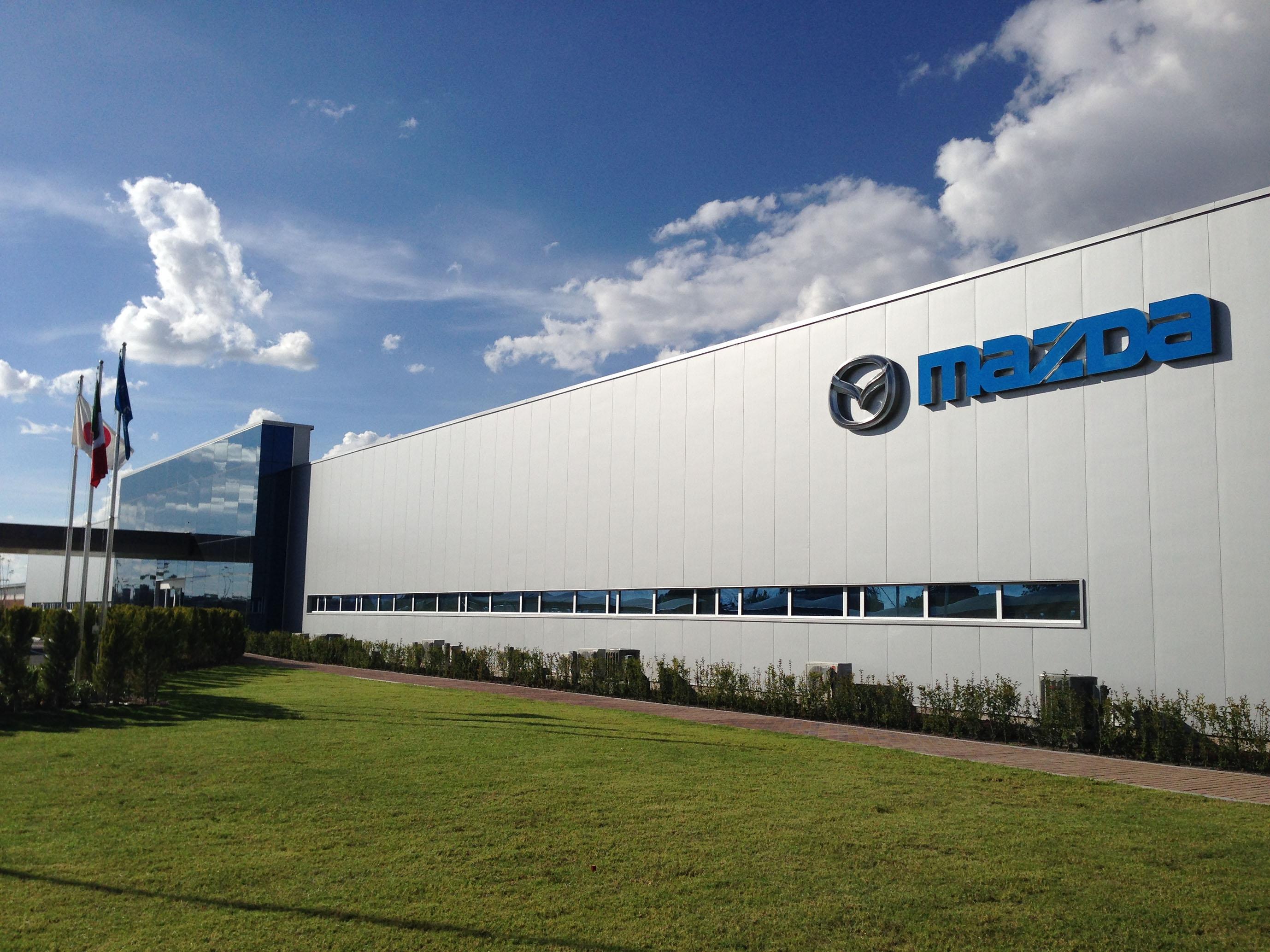 Mazda inizia la produzione nella nuova factory in Messico