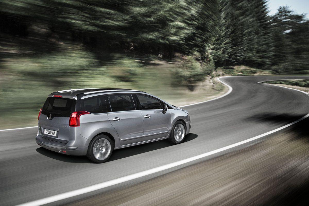 Un nuovo viaggio con Peugeot 3008 e 5008
