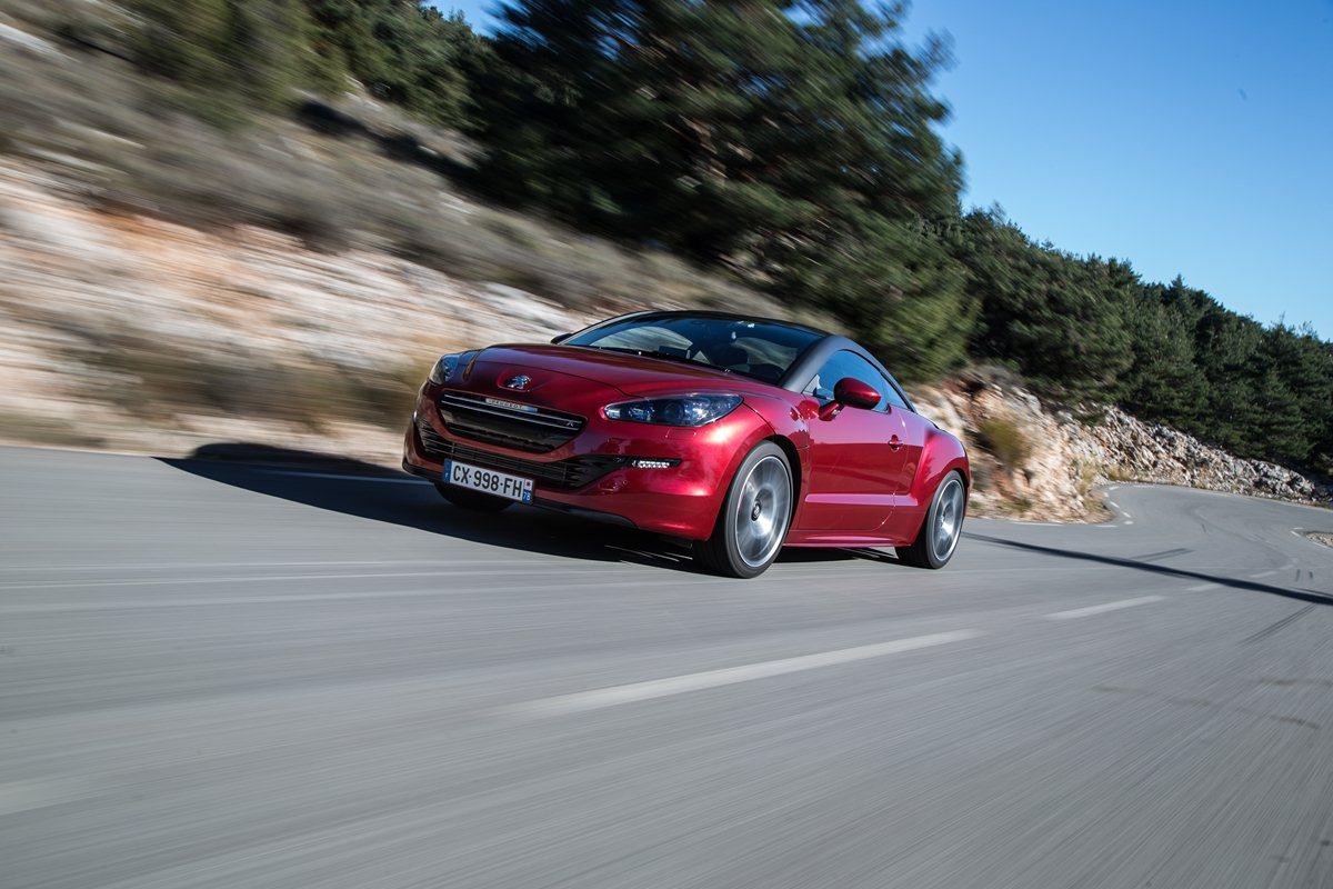 RCZ R : prestazioni ed efficienza firmate Peugeot Sport