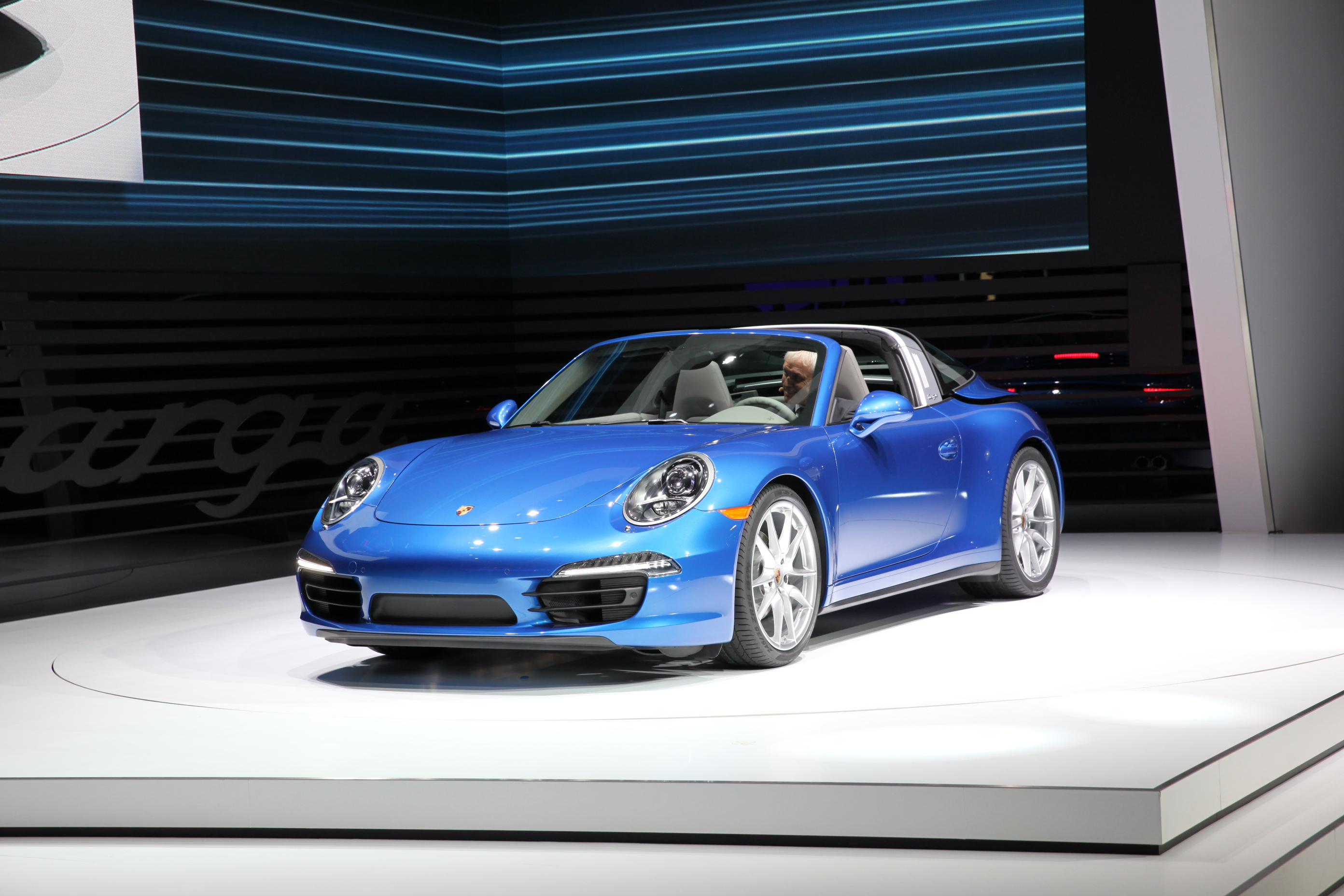 Detroit: Porsche 911 Targa 4 e 4S in video