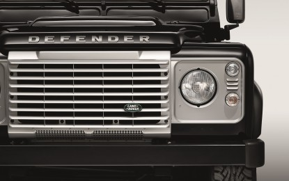 """Black Pack"" e ""Silver Pack"" per Defender"