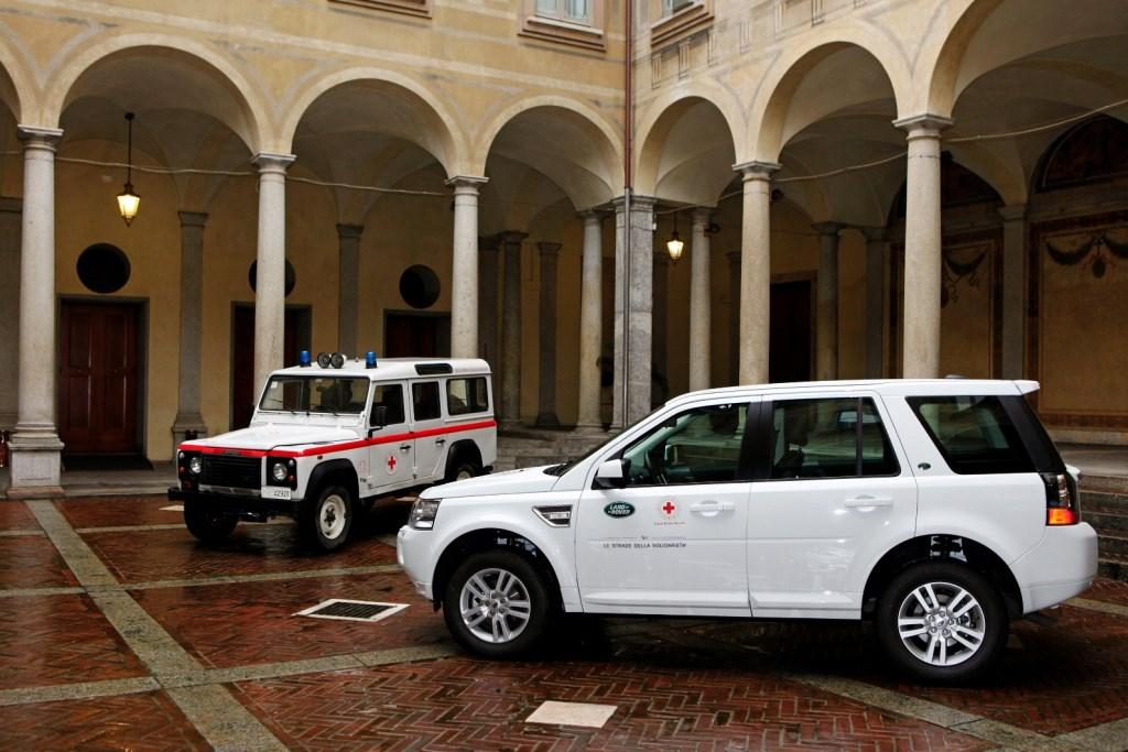 Land Rover e Croce Rossa per la solidarietà