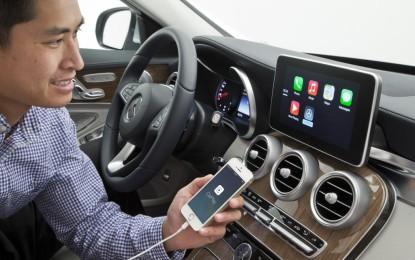 """Ginevra live: Apple """"CarPlay"""" sulla nuova Classe C"""
