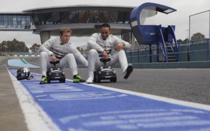 A lezione di sicurezza con Nico e Lewis: le cinture