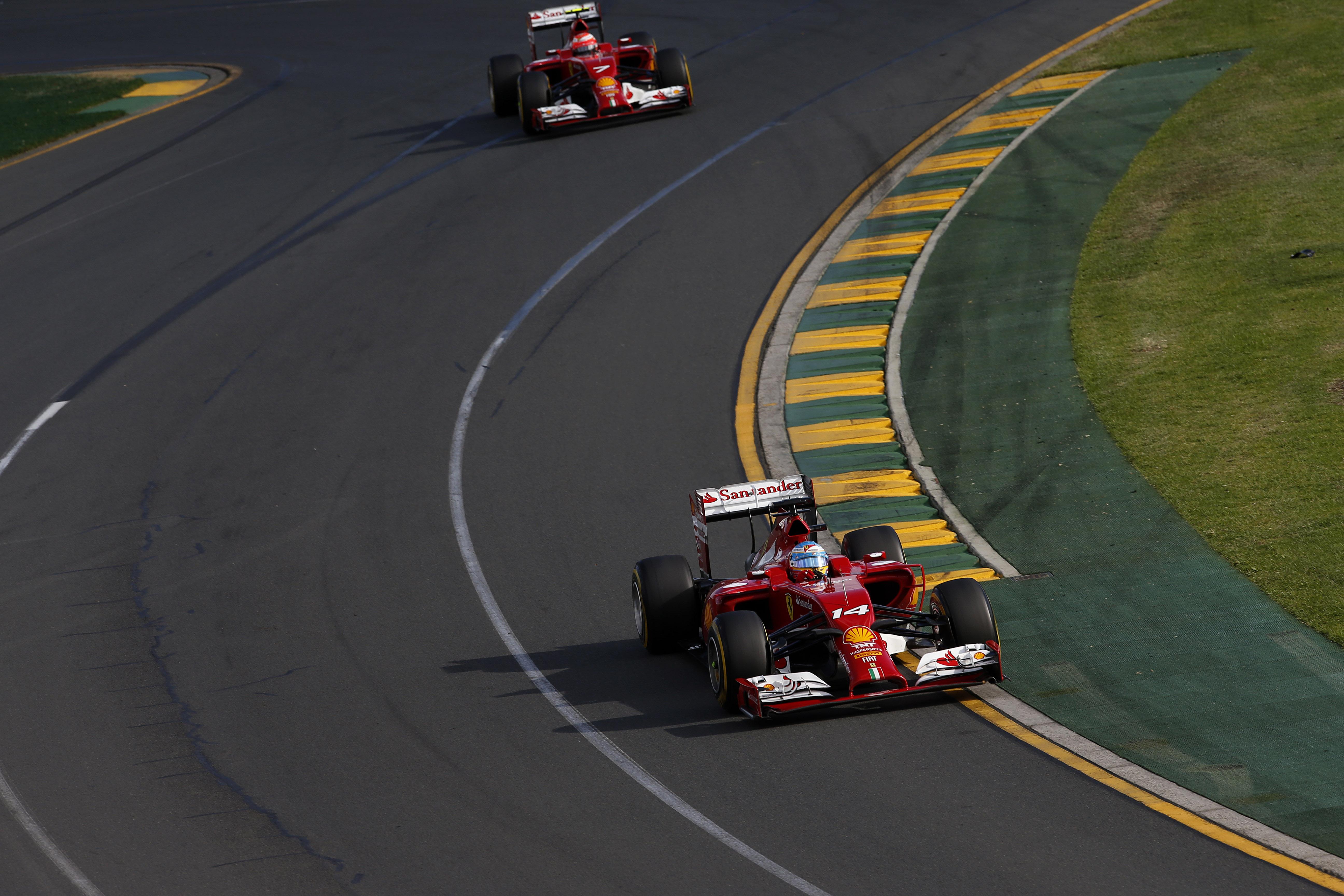 F14 T cucita su misura per Kimi e Fernando