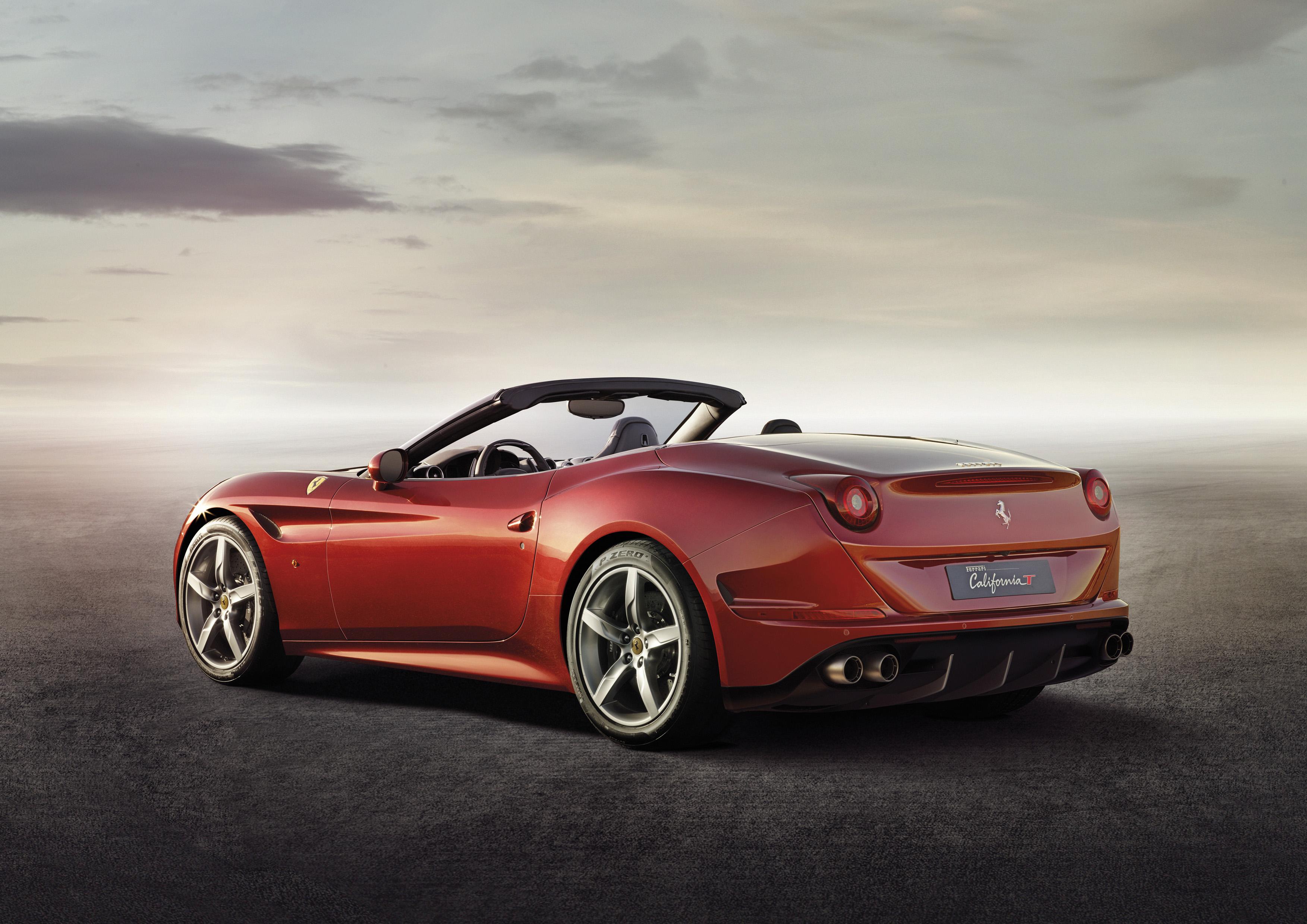 Ferrari: garanzia fino a 12 anni