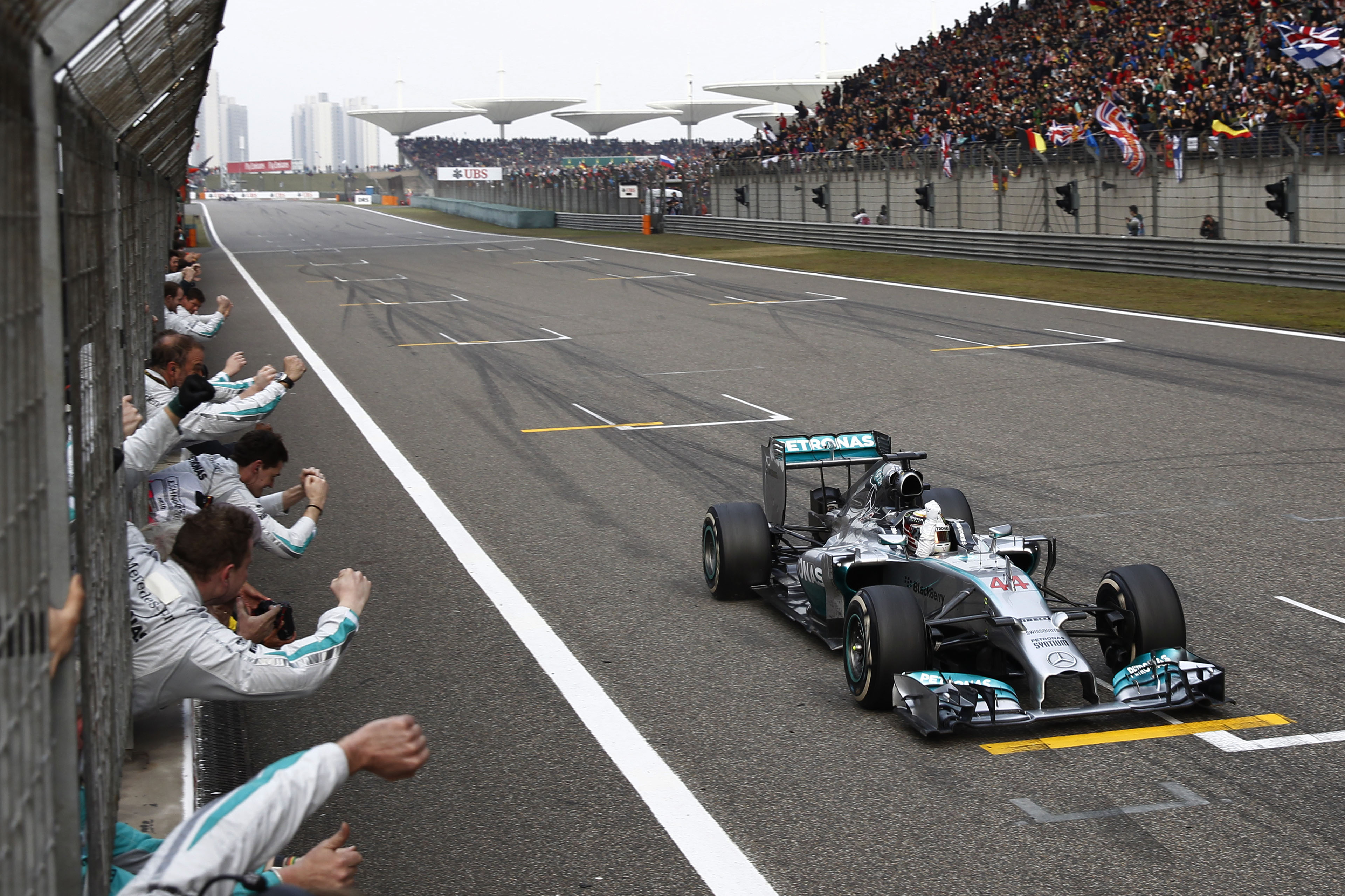 Cina: superlativo Hamilton, Alonso 3°