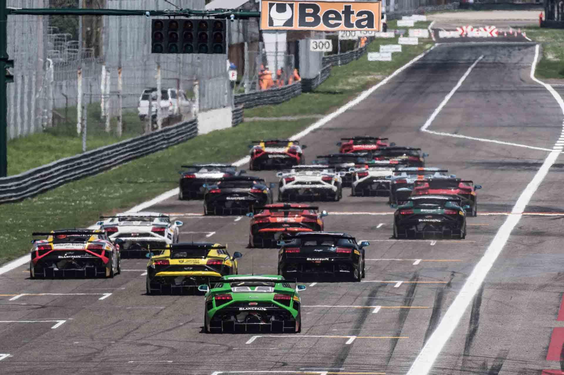 Al via il Lamborghini Blancpain Super Trofeo