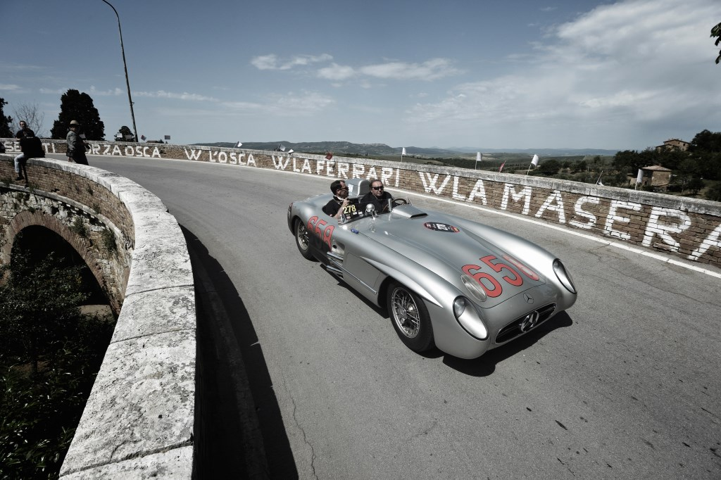 Al via il primo Mercedes-Benz Tribute to Mille Miglia