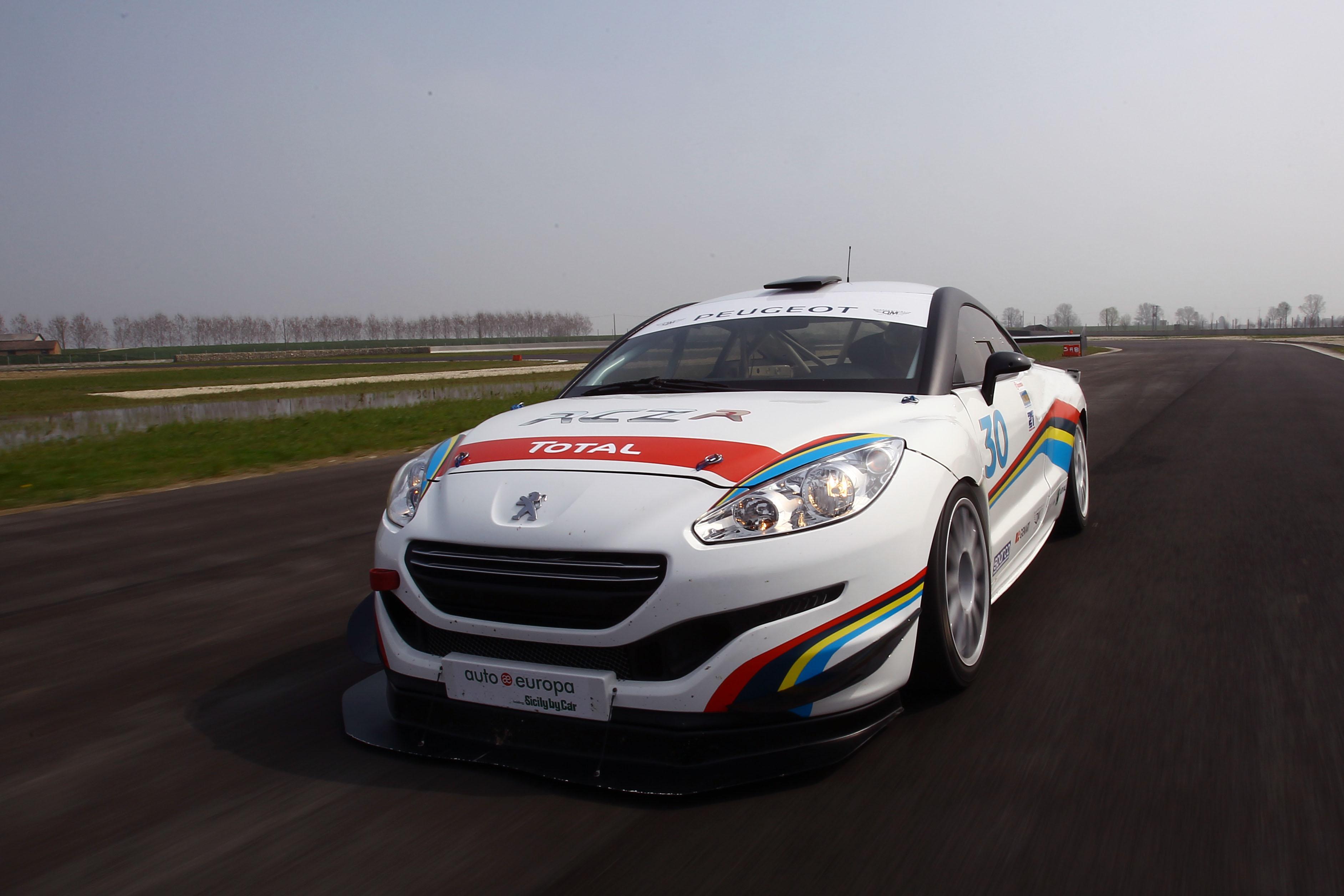 Debutto della RCZ-R Cup nell'Italiano Turismo Endurance
