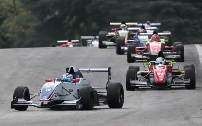 De Vries primo vincitore a Imola