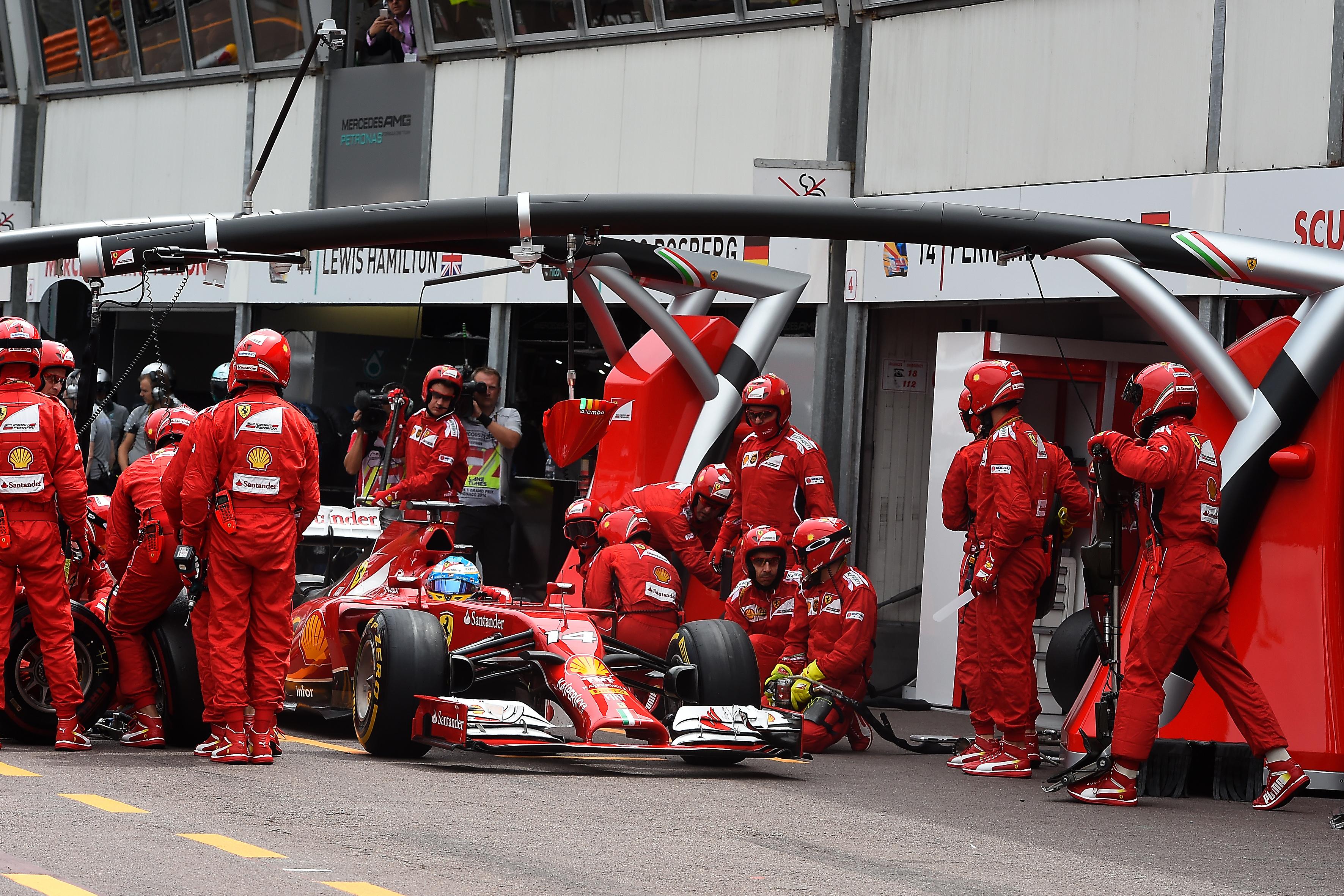 La carica di Fernando alla squadra
