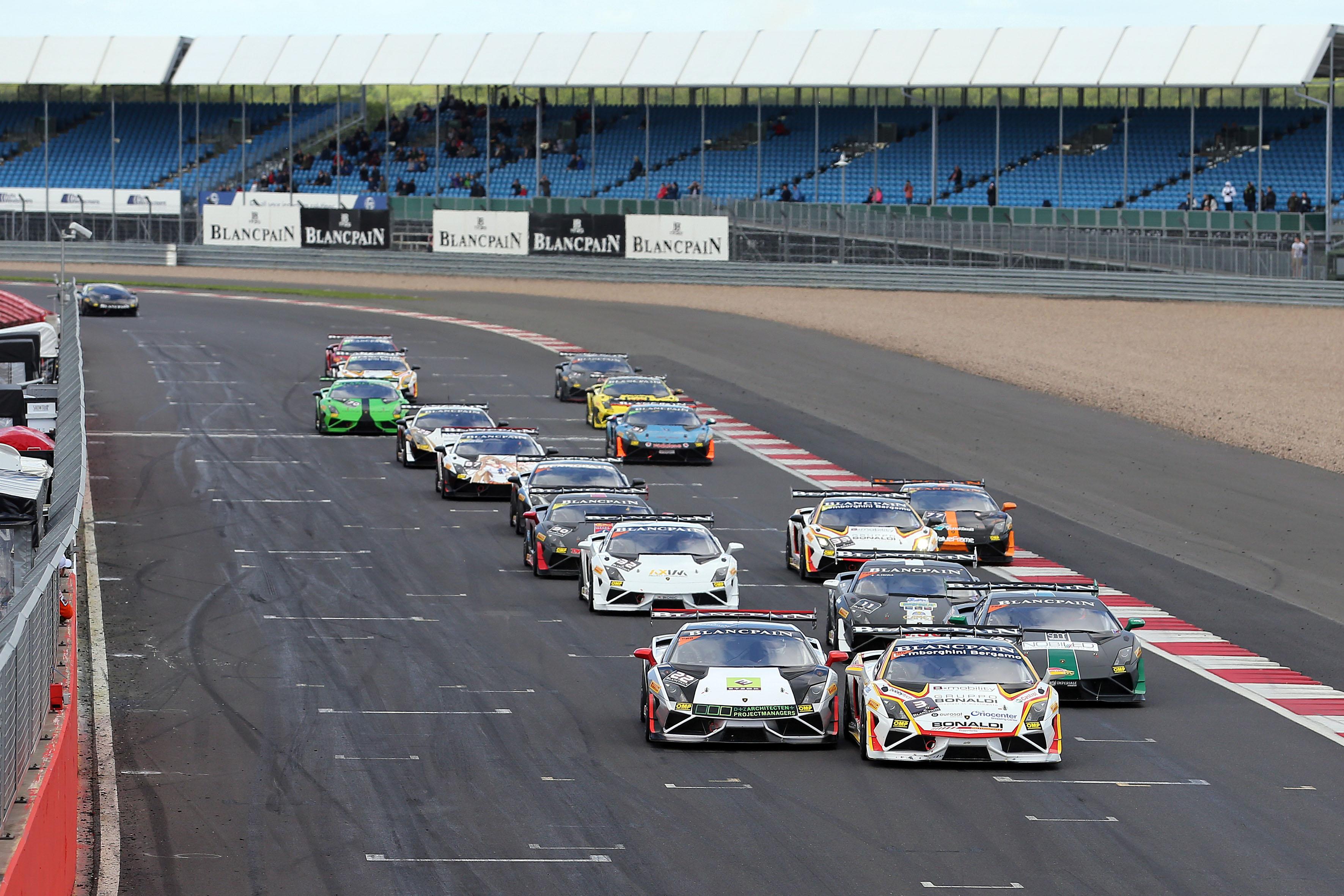 Lamborghini Super Trofeo: doppietta di Mul