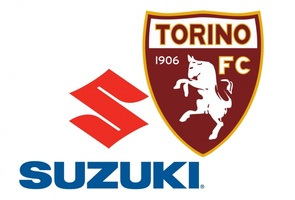 Suzuki e il Toro sulla maglia donata da Glik al Museo dello Sport