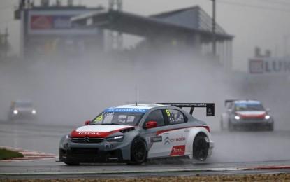 WTCC: Loeb vittorioso sotto il diluvio