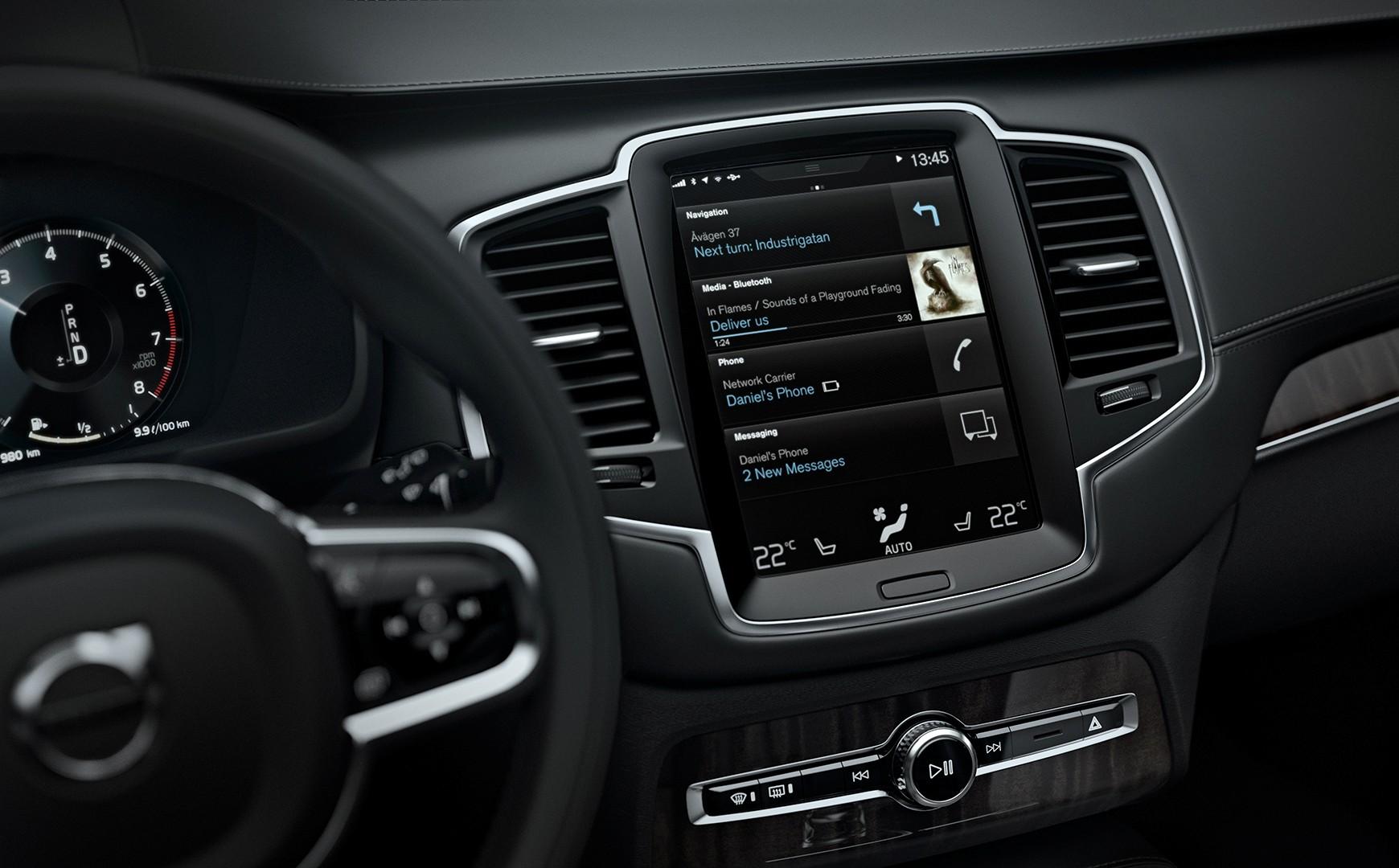 Nuova Volvo XC90 e l'esperienza di guida a bordo