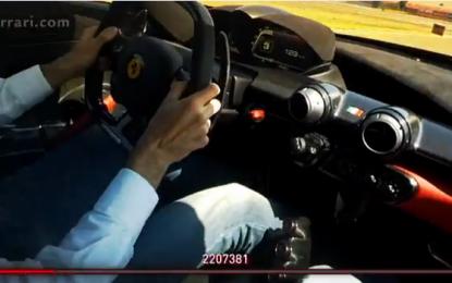 Ferrari: 15 milioni di fans su FB e un regalo
