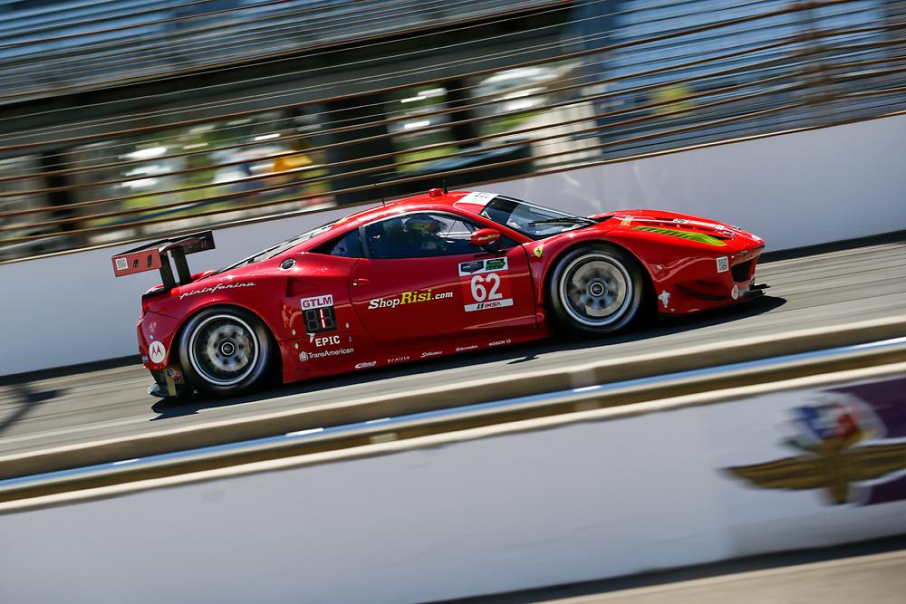 Fisichella regala la prima pole alla Ferrari a Indy