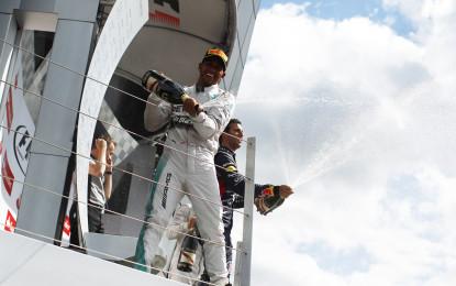 GB: Hamilton padrone di un GP da ricordare