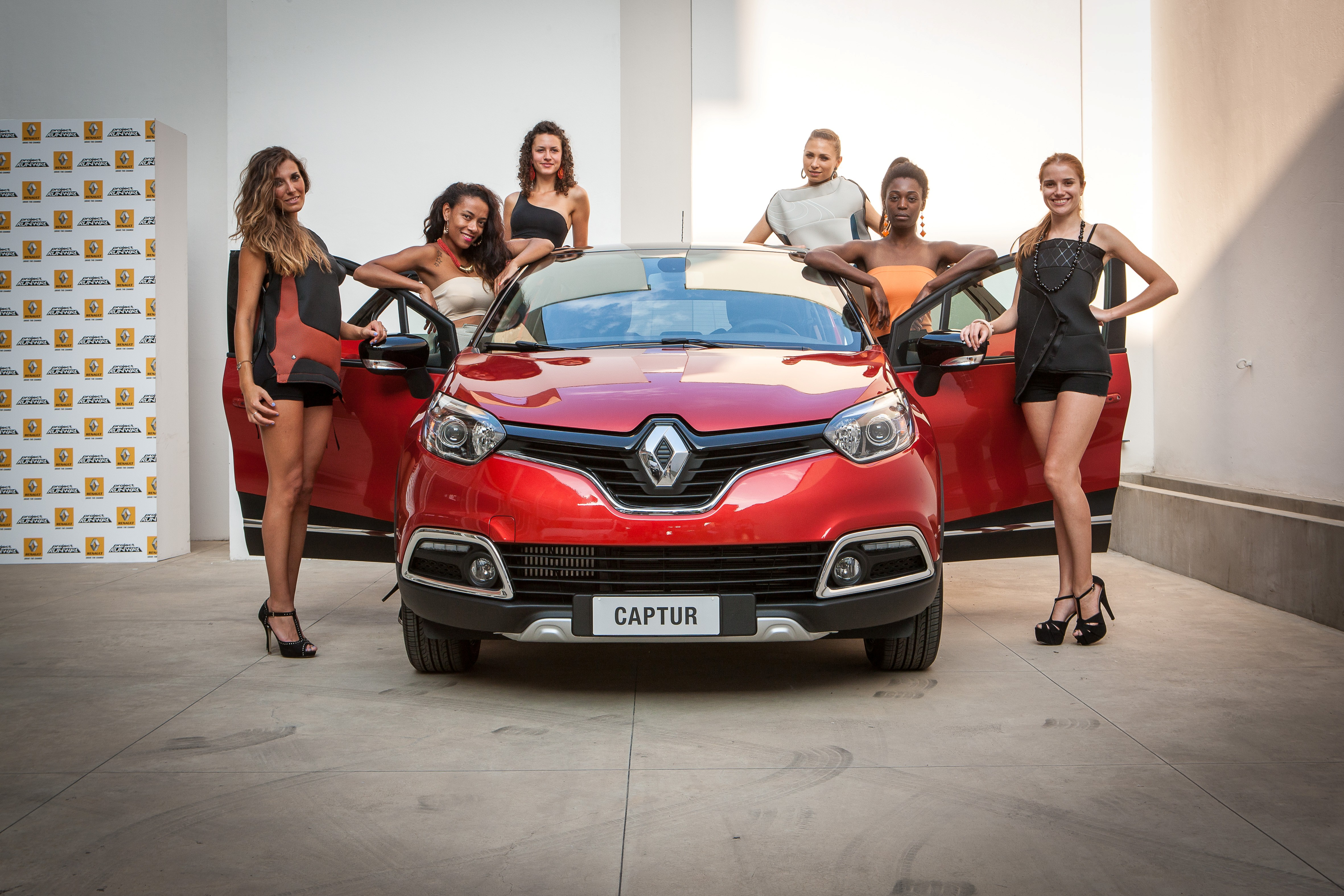 "Captur Project Runway sfila alla ""Renault Fashion Week"""