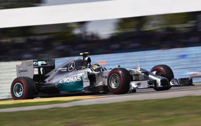 Germania: prima pole in casa per Rosberg