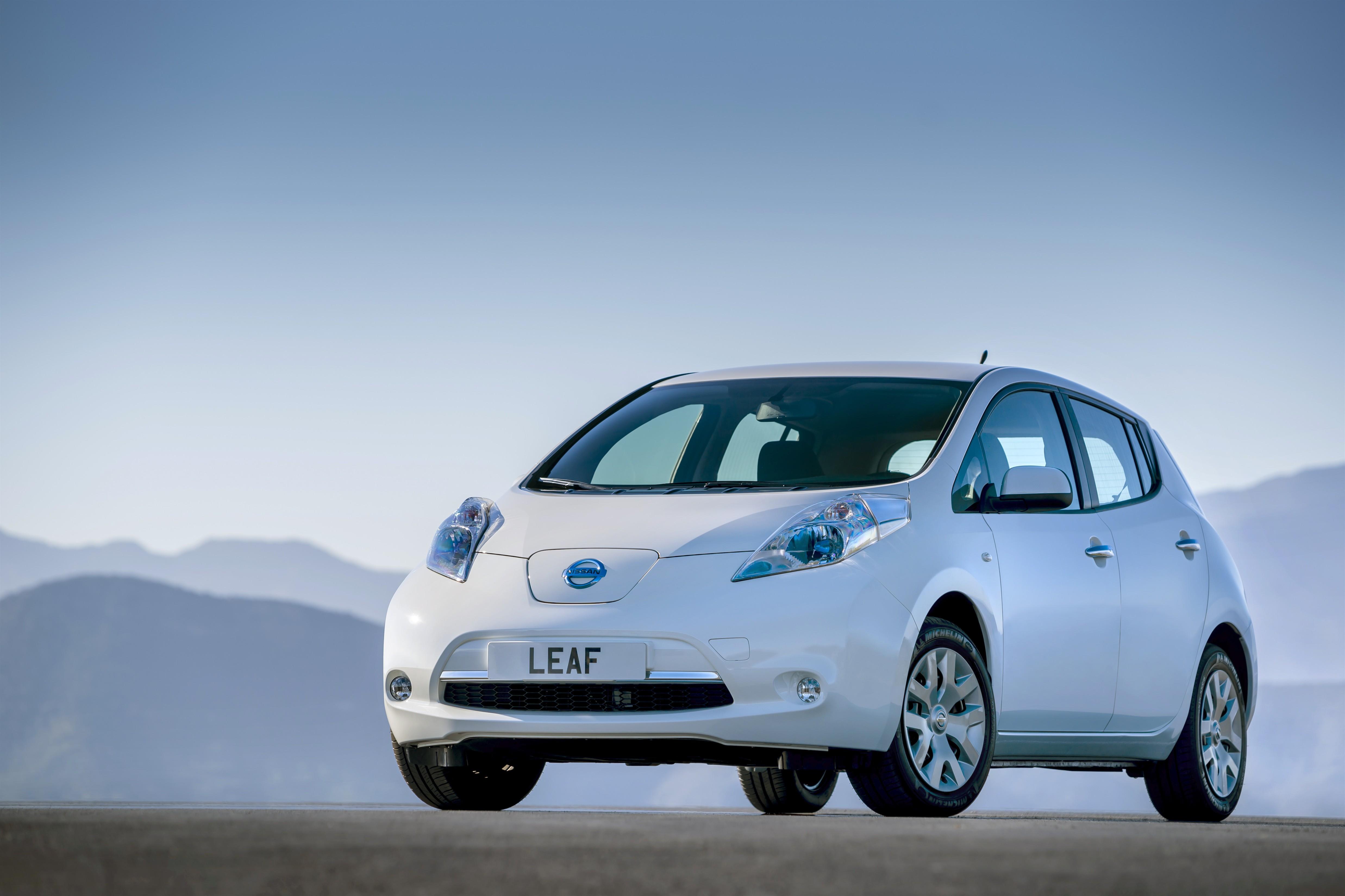 Nissan Leaf: nuovo listino